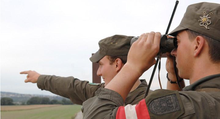 2 Soldaten an der Grenze