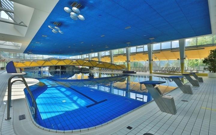 ValBlu Bludenz Hallenbad Schwimmbecken